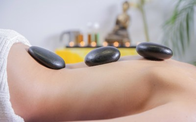 HOT STONES THERAPY MASSAGE AND ITS ENERGETIC POWERS…