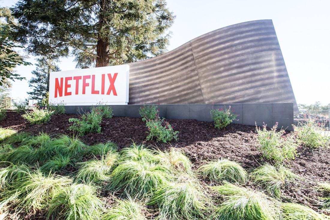 Why Apple Should Buy Netflix…Again!