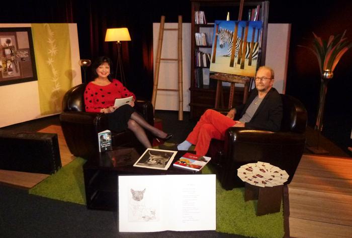 """Lors de l'enregistrement de l'une des séances de rencontre de son émission """"De vous à moi"""" sur Mirabelle TV avec l'invité Yves BLIN"""