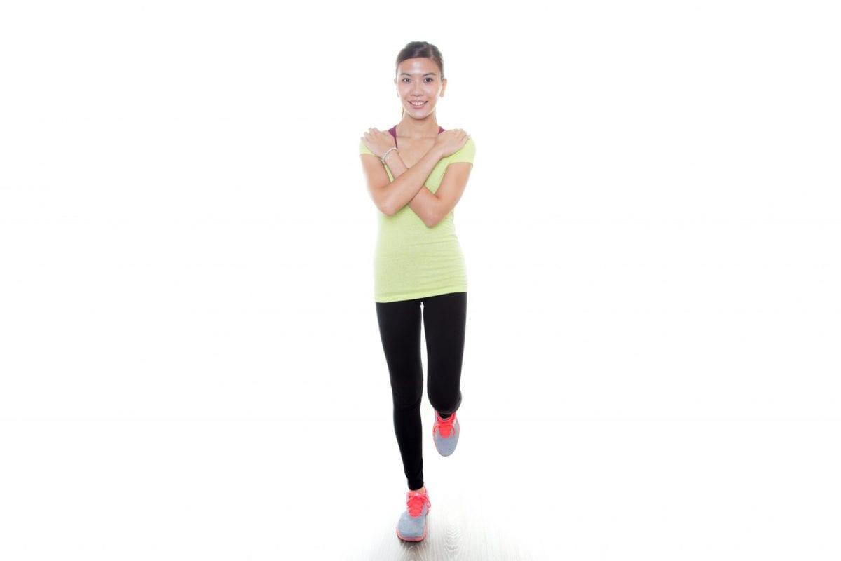 rester en équilibre sur un pied, le genou opposé est en flexion, les bras croisé, l'objectif est de rester au moins 30secondes les yeux ouverts