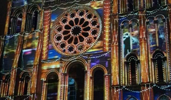 """Venez découvrir """"Chartres en lumières"""""""