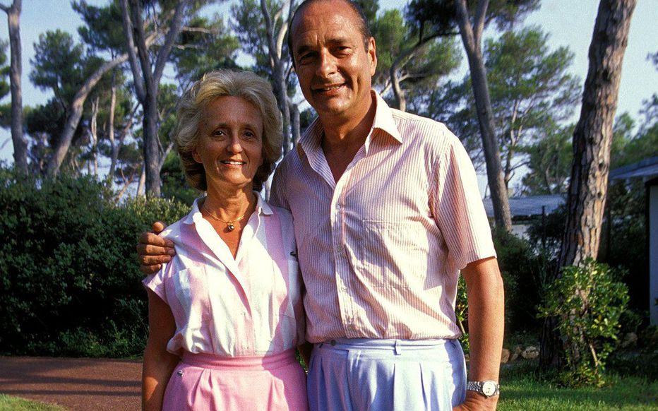 Bernadette et Jacques Chirac en vacances dans le sud de la France en 1987.