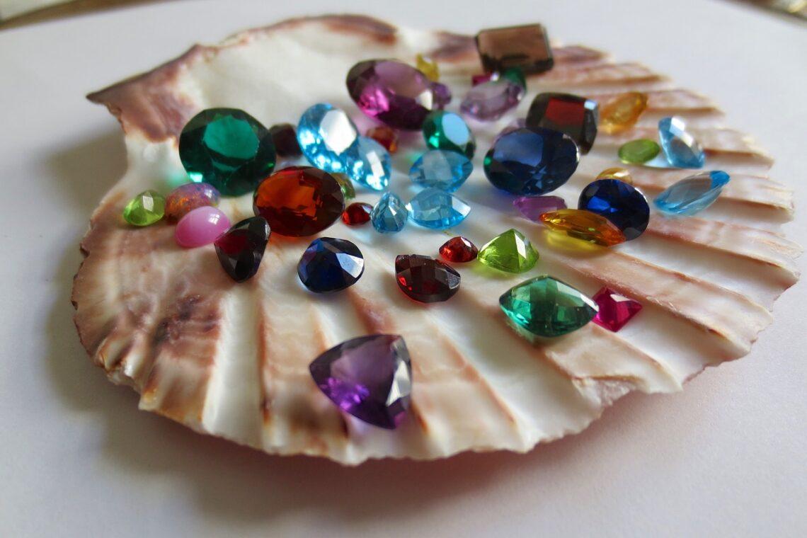 Ananda Oasis : les bienfaits des pierres et minéraux en bijoux pour Noël