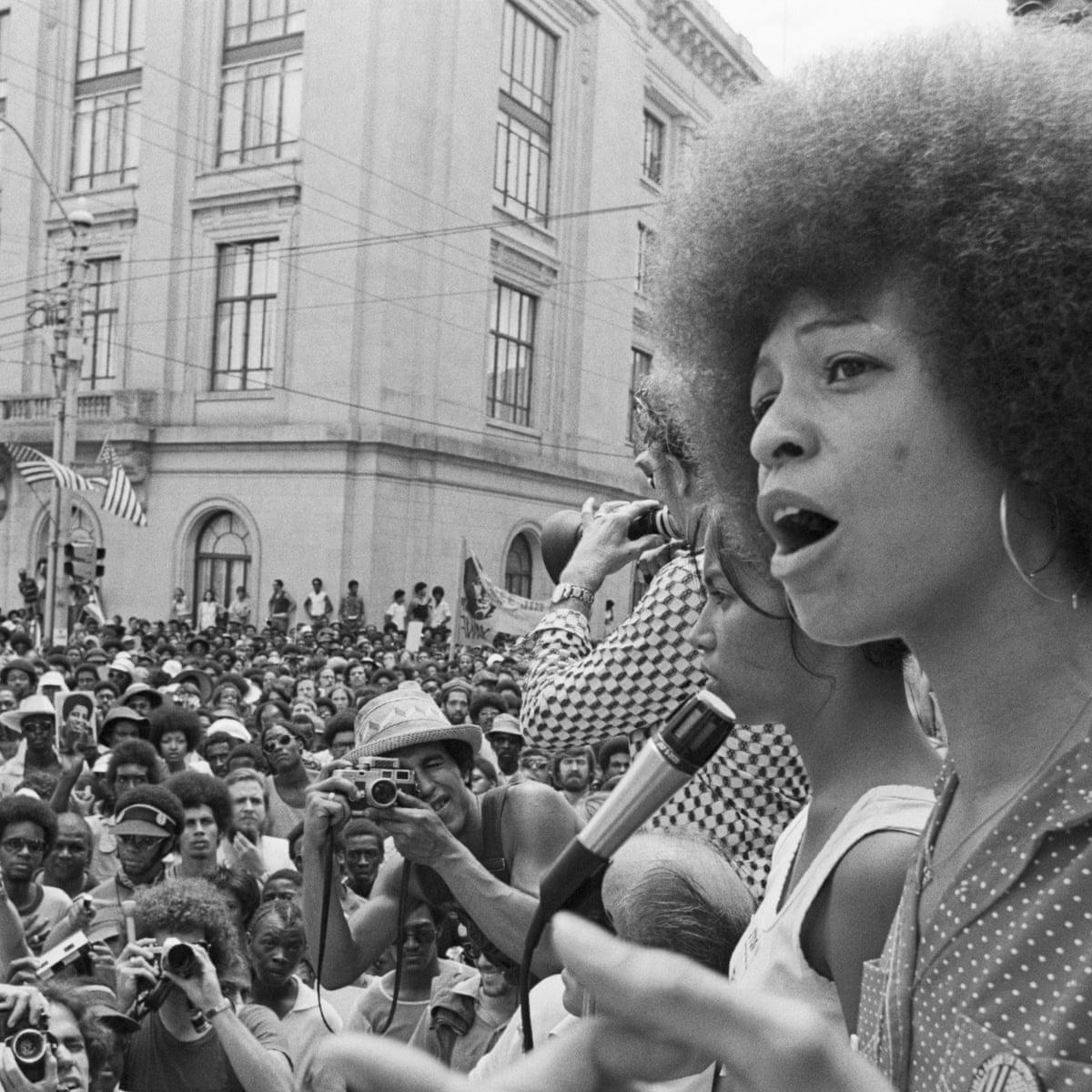 Angela Davis, afroféminisme; afro fem, femme, militante, militant, manifestations