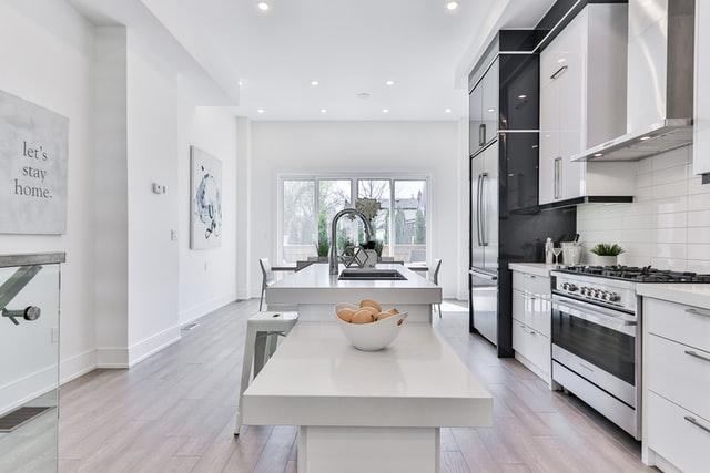 Il renferme en effet tout ce que vous attendez d'une cuisine moderne – simplicité, accent mis sur l'écologie et confort maximal