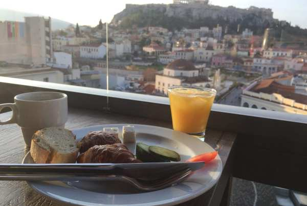 Athens tips: breakfast overlooking the Acropolis