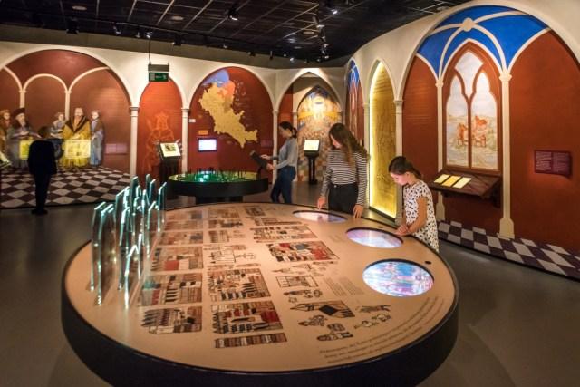 Interior do Museu Polin