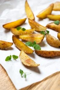 Wuerzige Kartoffelecken