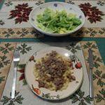Hascheehörnchen mit grünem Salat