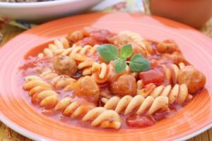 Hackfleischbällche -in Tomatensauce