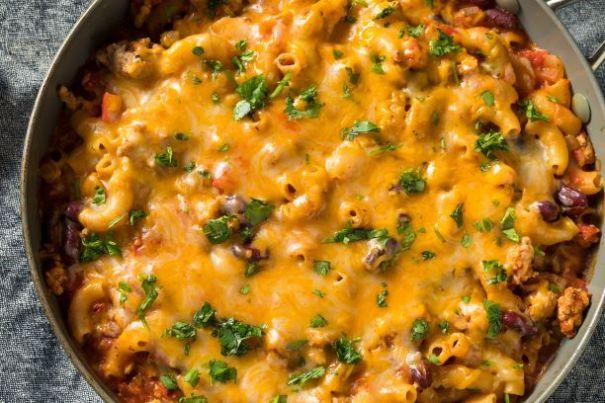 Hausgemachter Chili Mac and Cheese
