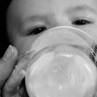 Jak karmić dziecko będąc kochającą matką.