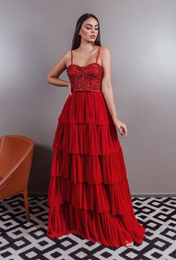 Vestido para madrinha vermelho.