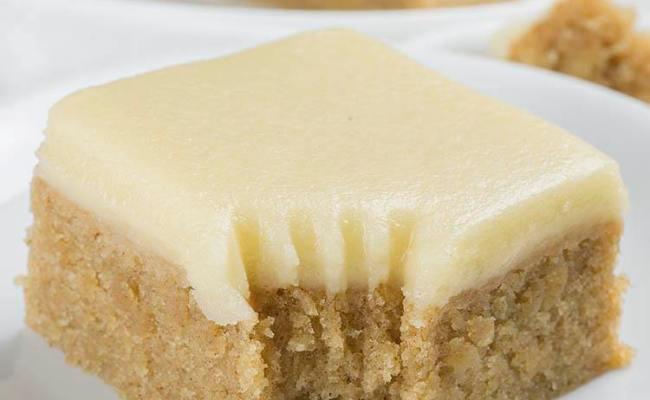 Banana Bread Blondies A Blondie Bar Recipe With Brown