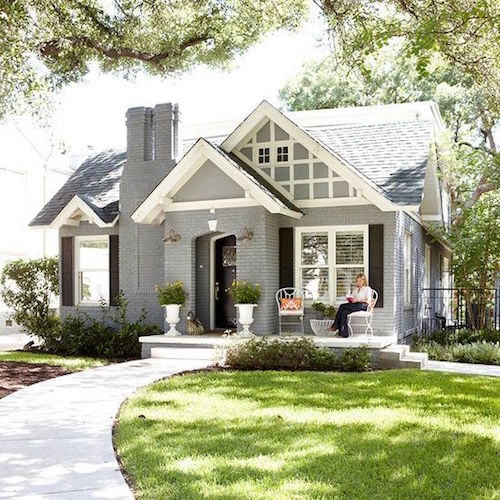 This Painted Brick Home Is So Fresh And New Looking They Owners Did A Lovely