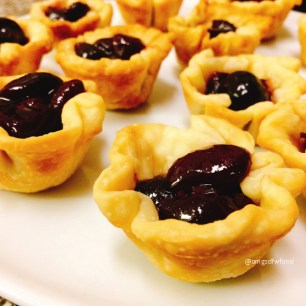omgs-dfw-food-tarlet-shells-with-cherries