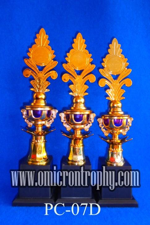 Produsen Trophy Plastik Untuk Perlombaan