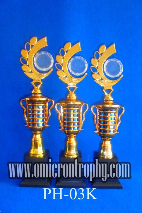 Jual Piala penghargaan Surabaya