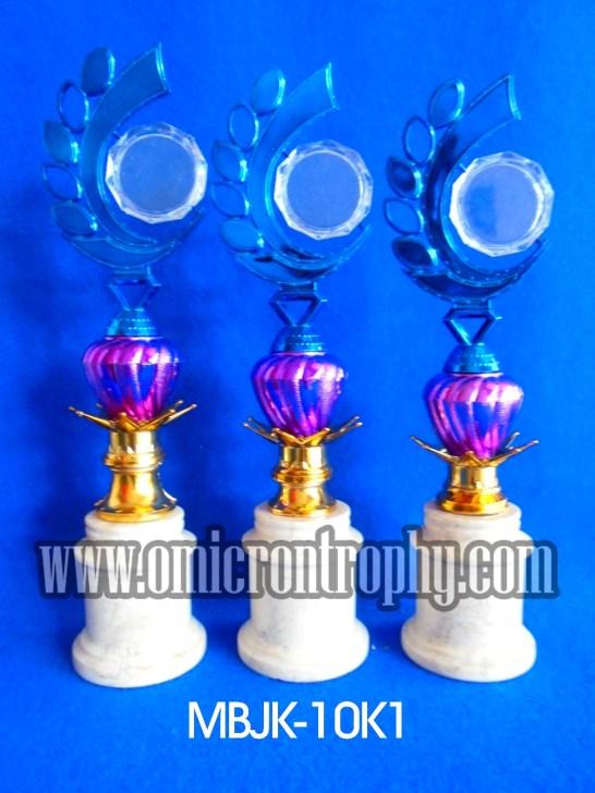 Toko Trophy Piala Murah, Trophy Lomba, Pengrajin Trophy Marmer