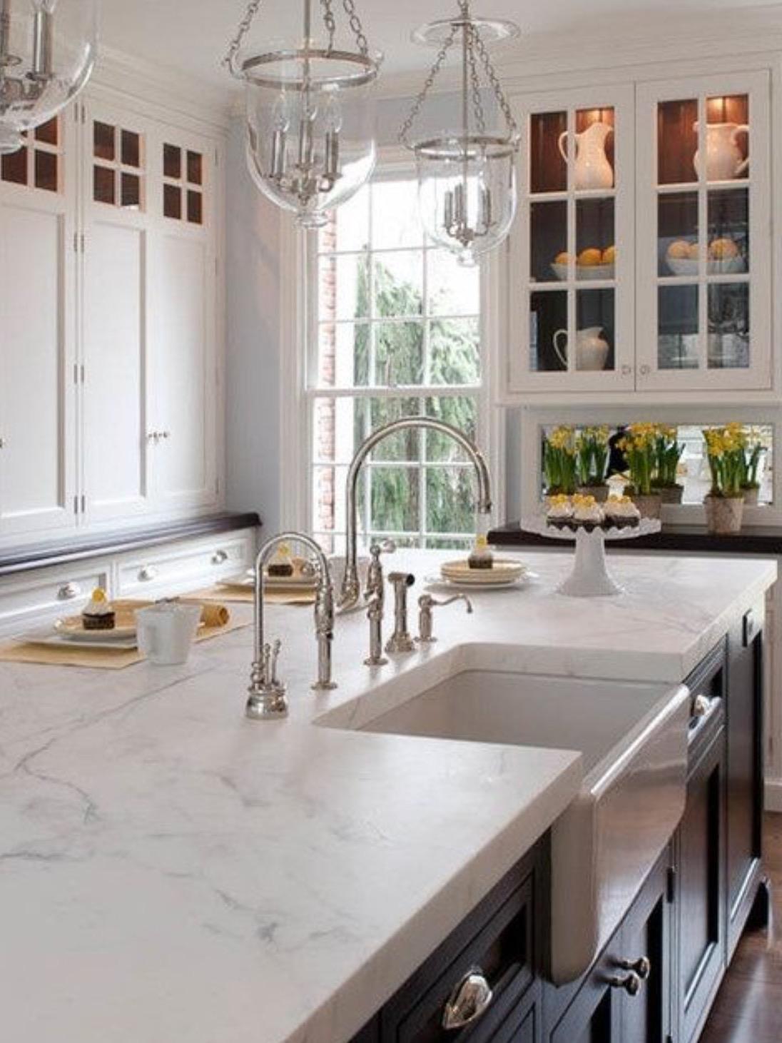 chris and kitchen cart ceiling ideas wraca moda na klasyczne kuchnie projektowanie wnętrz
