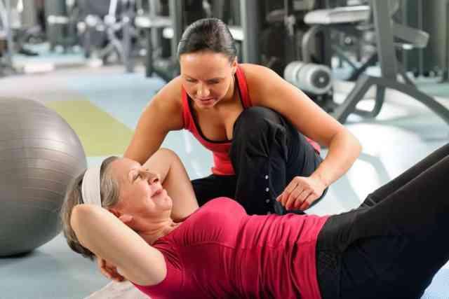 Pri pravilnem izvajanju vaj vam pomoč nudi osebni trener