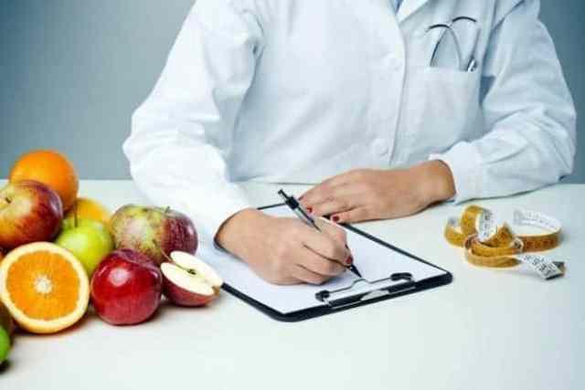 Nutricionist je strokovnjak na področju zdrave in uravnotežene prehrane