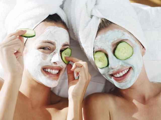 Obstojen make-up dosežemo s pomočjo zdrave kože