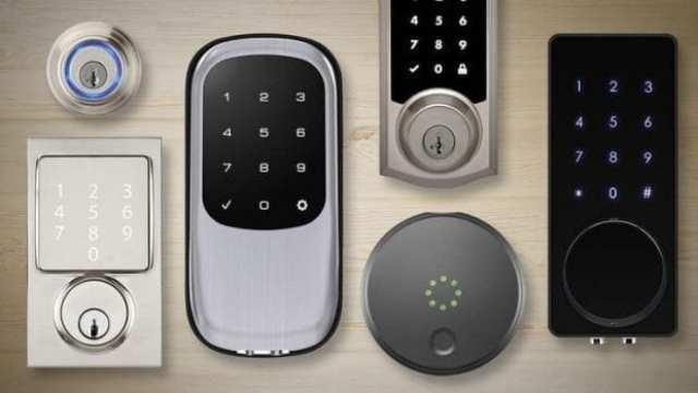 vhodna-vrata-cena-ključavnice-s-številčno-kodo