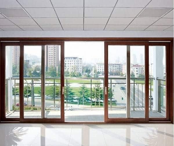 zasteklitev-balkonskih-vrat-dvoslojna-ali-troslojna