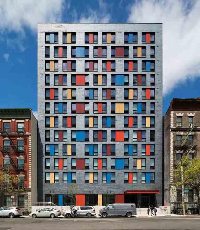 fasada-z-barvami