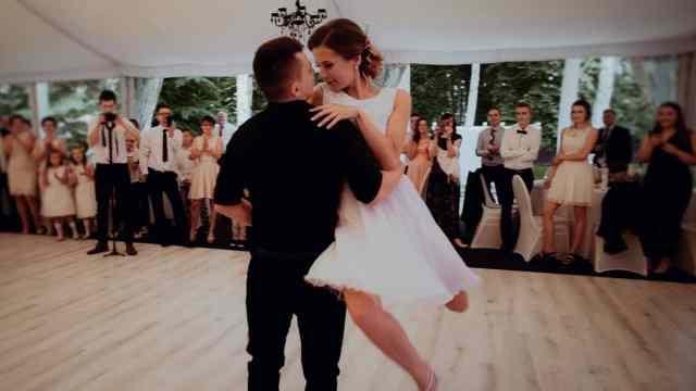 ples-na-poroki-porocna-glasba