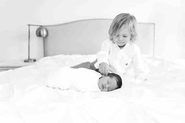 dojenček in brat, sestra