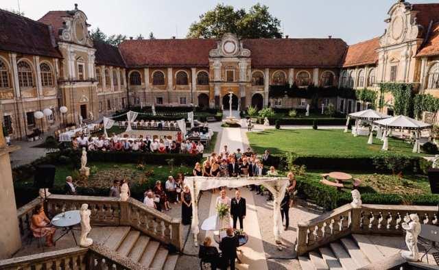 kraljevska-popolna-poroka-poročne-lokacije-cena-dvorec-štatenberg