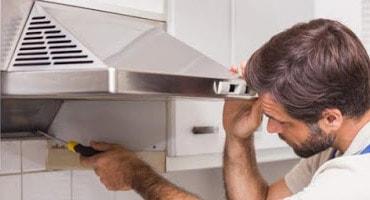 montaza-kuhinjske-nape-cena-za-hišni-servis