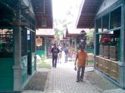 Foto-foto sudut, lorong dan hewan peliharaan yang dijajakan di Pasty Jogja (2)