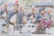 Prajurit Kraton Mengantar Trophy Mahkota Raja pada Lomba Burung HB X