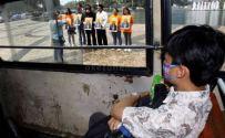 Aktivis Center for Orangutan Protection unjukrasa minta Pasar Burung Pramuka dan Jatinegara ditutup (1)