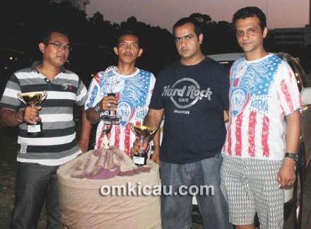 Lomba Burung Royal Cup 2013