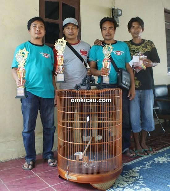 Mantri Priyo dan PCB Team
