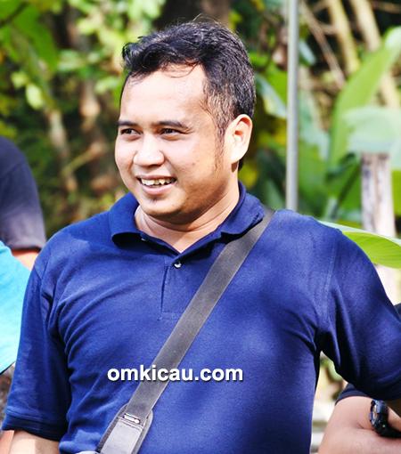 Om Rendra, ketua Mekarsari BC