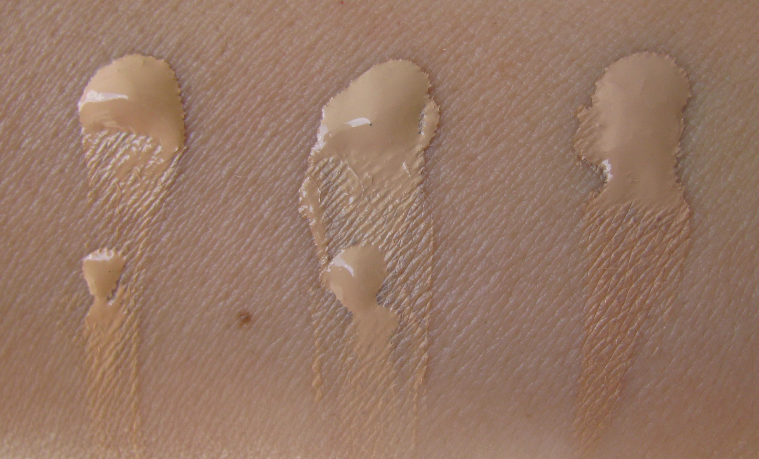Skin Base Foundation by Illamasqua #3