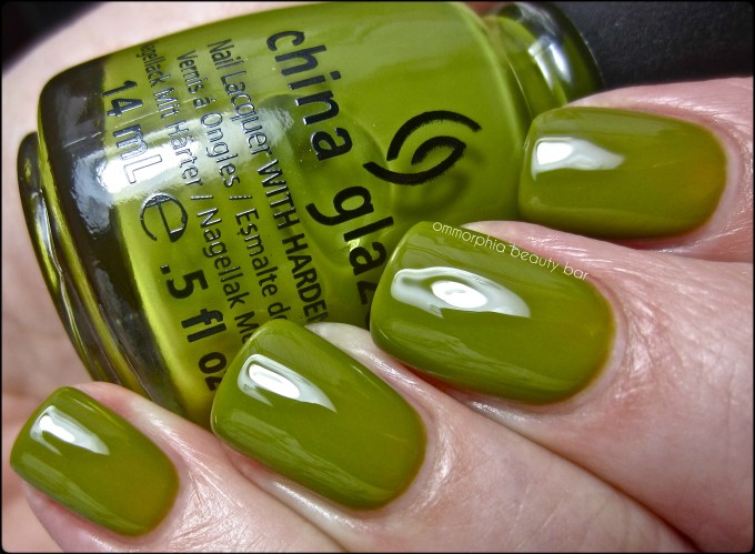 CG Budding Romance swatch
