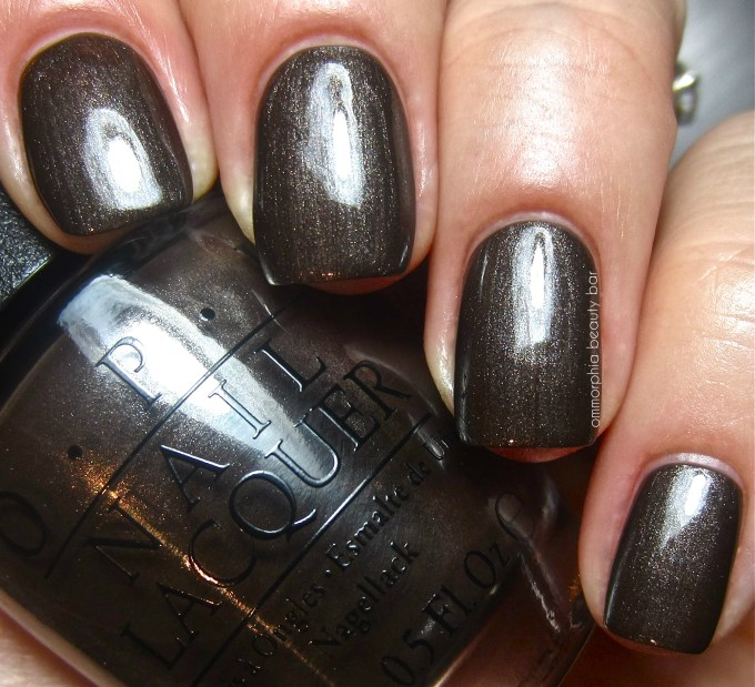 OPI Warm me Up swatch 2