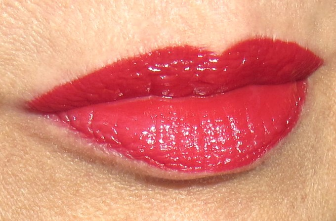 Burberry Kisses Military Red swatch 1