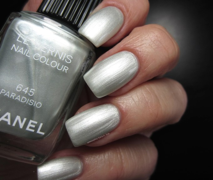 CHANEL Paradisio swatch