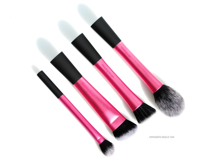 Real Techniques Finishing Face Brushes opener
