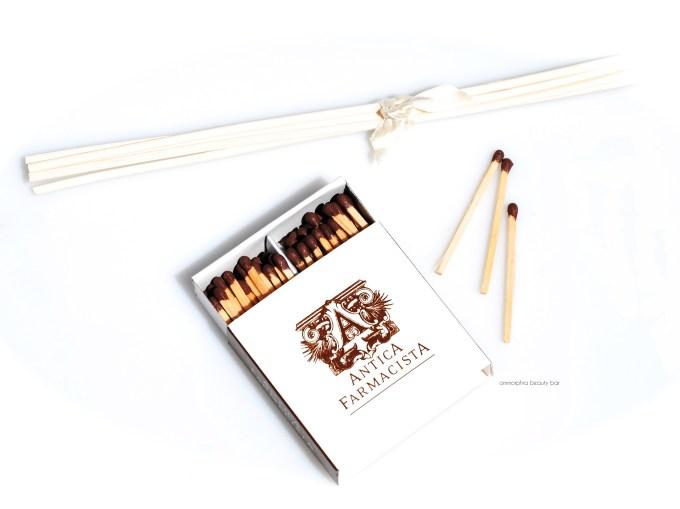 Antica Farmacista matches & bamboo sticks
