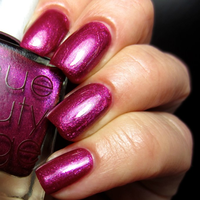 RBL Fan Collection 3.0 Vixen by Sassy Shelly swatch
