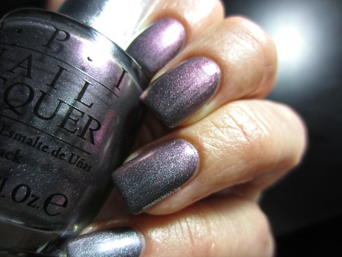 OPI DS Charcoal swatch 3