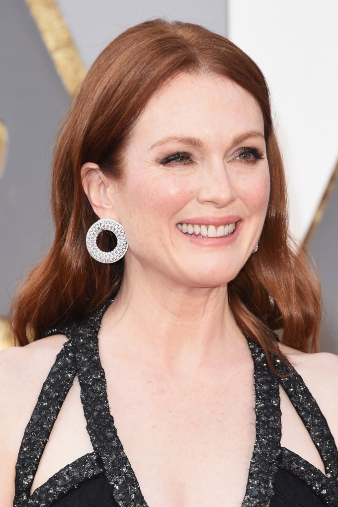 Julianne-Moore-Oscars-2016-Red-Carpet-Beauty-Vogue-28Feb16-Getty_b
